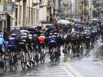 DIRETTA Giro d'Italia LIVE: Landa in ospedale. Nibali recupera in classifica. Si ritira anche Sivakov