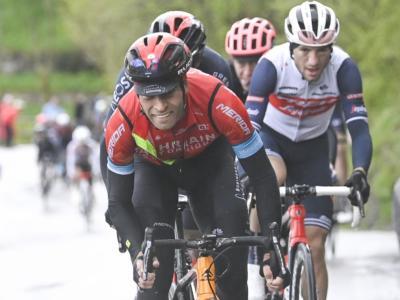 Giro d'Italia 2021, fratture multiple alle costole e alla clavicola per Mikel Landa