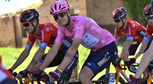 """DIRETTA Giro d'Italia LIVE: Ciccone scala la classifica, 17° Nibali. Magrini: """"Vincenzo non è fuori dai giochi"""""""