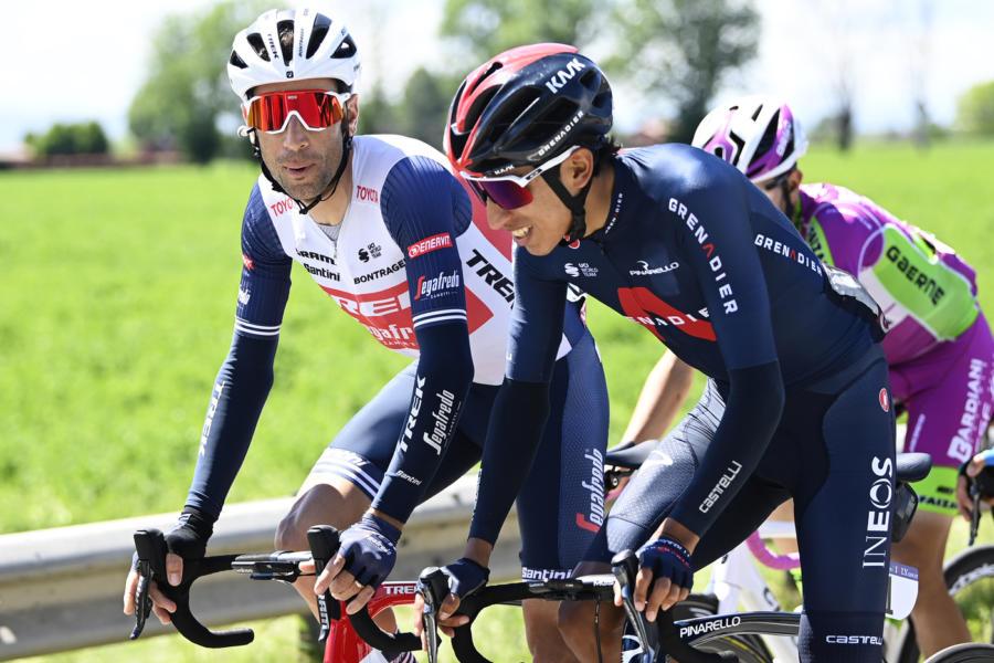 """DIRETTA Giro d'Italia 2021 LIVE: foratura e caduta per Vincenzo Nibali. """"Ho delle escoriazioni"""""""