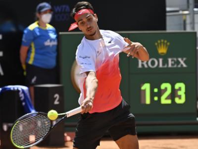 Lorenzo Sonego, un altro capolavoro per la semifinale agli Internazionali d'Italia! Battuto Andrey Rublev, e ora c'è Djokovic