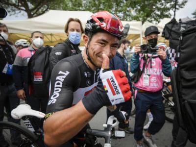 Giro d'Italia 2021: Caleb Ewan concede il bis a Termoli, 2° Cimolai, Valter sempre maglia rosa