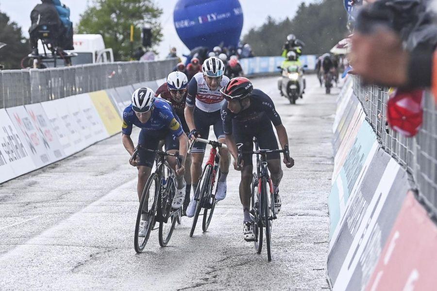 "LIVE Giro d'Italia 2021 in DIRETTA: Ciccone 4° in classifica, Nibali a 2'12"". Magrini: ""Bernal non ha paura di Pogacar"""