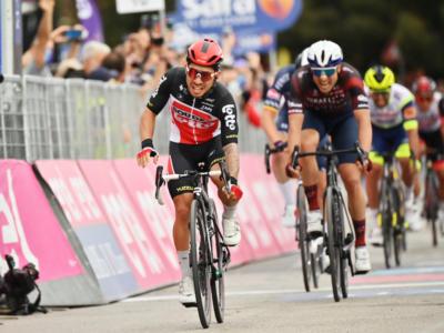 Giro d'Italia 2021, pagelle di oggi: Ewan maestro degli sprint. Gaviria sbaglia i tempi. Cimolai in crescita