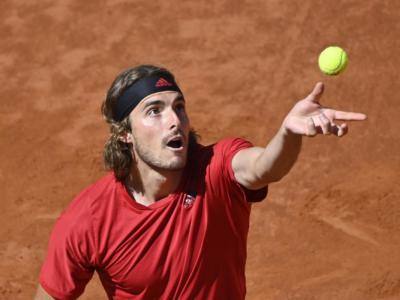 ATP Amburgo 2021: Tsitsipas conquista i quarti di finale, avanzano Krajinovic e Djere