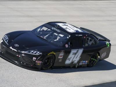NASCAR Xfinity Series, Ty Gibbs entra nella storia e vince a Charlotte