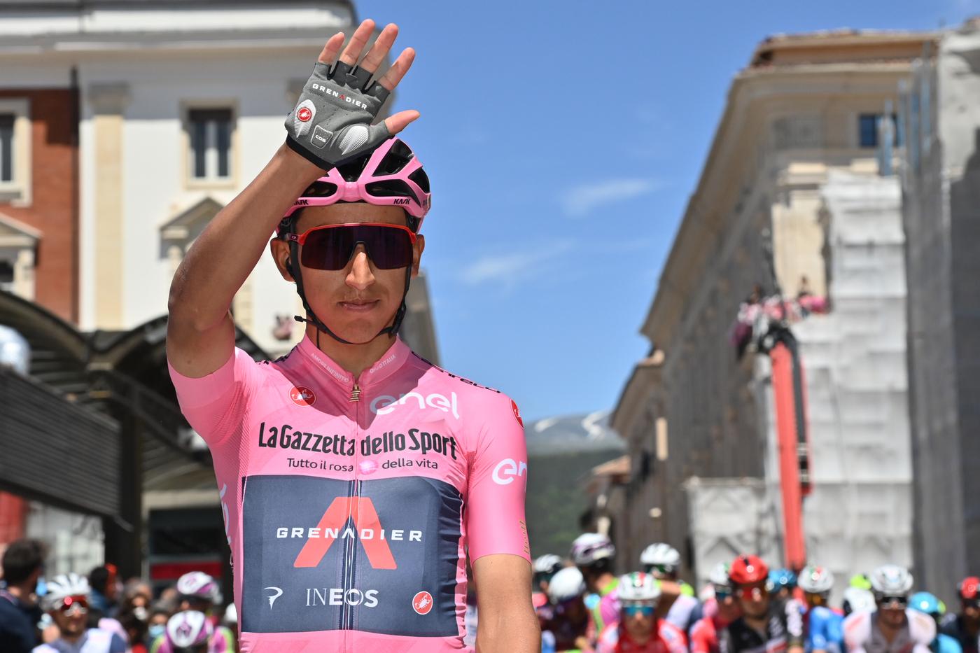 """Giro d'Italia 2021, Egan Bernal: """"Sorprendente Evenepoel, a cronometro può darmi 1'30"""". In montagna ci saranno grandi distacchi"""""""