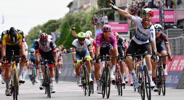 Giro d'Italia 2021: a Verona esulta finalmente in volata Giacomo Nizzolo! Battuto un super Edoardo Affini