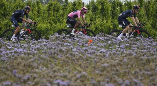 Giro d'Italia 2021, inizia una corsa diversa. Zoncolan e Dolomiti, Bernal può fare il vuoto. Ma occhio alle sorprese…