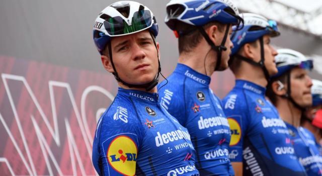 Giro d'Italia 2021, Remco Evenepoel sempre più distante dal podio. E Lefevere non esclude il ritiro