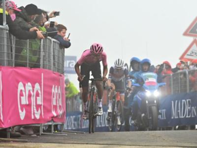 Giro d'Italia 2021, tappa di Cortina accorciata: niente Fedaia e Pordoi, ha perso il ciclismo