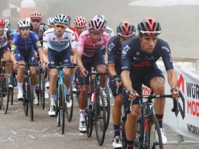 """LIVE Giro d'Italia 2021 in DIRETTA: Caruso fa sognare. Magrini: """"La tappa si poteva fare. Evenepoel troppo esaltato"""""""