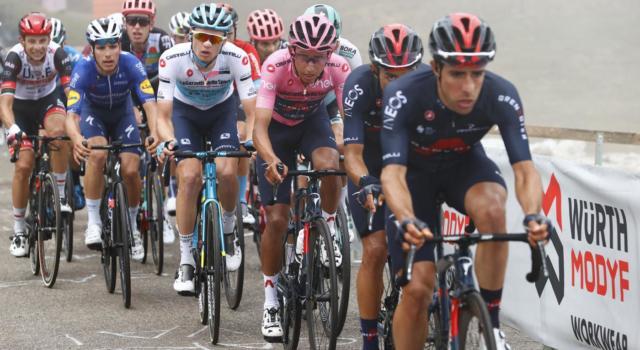 Giro d'Italia 2021, Aleksandr Vlasov rimbalza sul suo stesso coraggio. Vanificato il lavoro dell'Astana