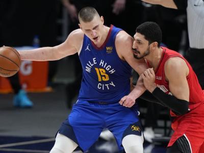 Playoff NBA 2021, i risultati della notte (25 maggio): Milwaukee vola sul 2-0, Denver pareggia la serie