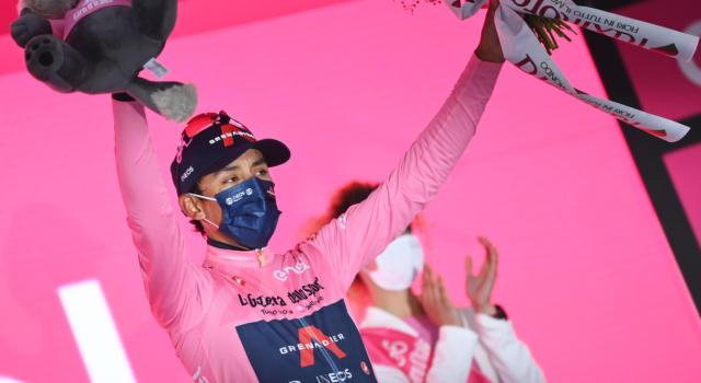 """Classifica Giro d'Italia 2021, 18ma tappa: Caruso a 2'21"""" da Bernal, ritirato Ciccone. Ulissi nei 20"""