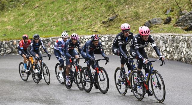 Tappa regina mutilata e assenza di immagini tv: Giro d'Italia, una doppia figuraccia mondiale