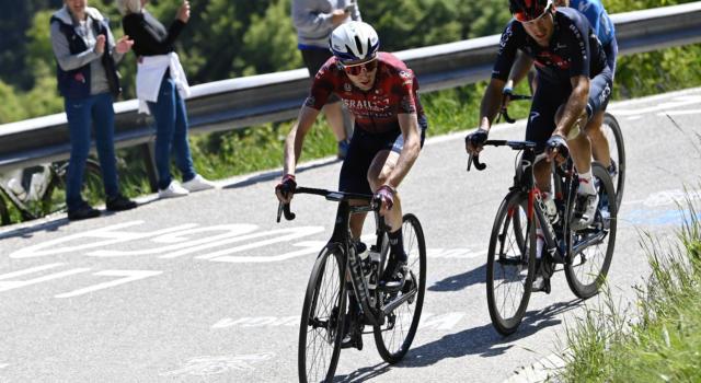 VIDEO Giro d'Italia, highlights tappa di oggi: Martin vince, Yates riapre tutto, Bernal in crisi. Cadute di Nibali e Ciccone