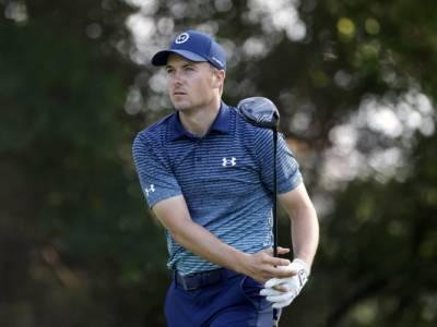 Golf, Jordan Spieth ancora in controllo a 18 buche dalla fine del Charles Schwab Challenge 2021