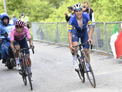 Giro d'Italia 2021, gli sforzi delle prime due settimane stanno presentando il conto a Egan Bernal