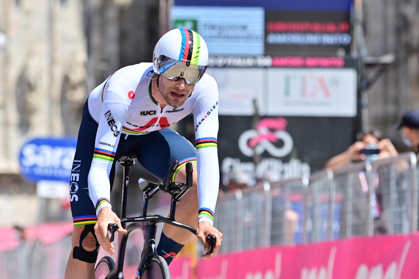 """Ciclismo, Filippo Ganna su un bolide rosse per le Olimpiadi! Assalto alla cronometro, provato il """"42"""""""