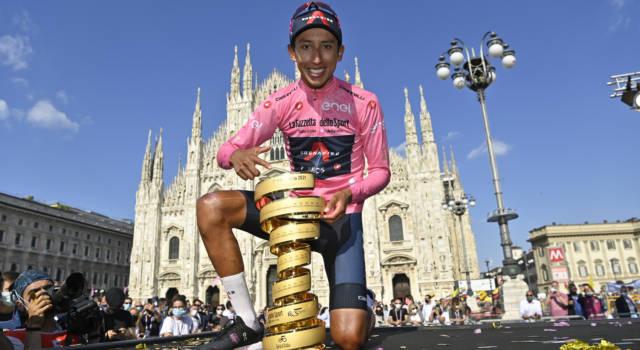 Giro d'Italia 2021, quanti soldi ha guadagnato Egan Bernal? Assegno importante da dividere con la squadra