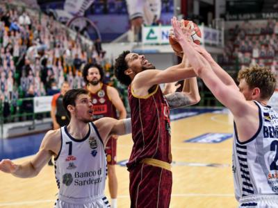 Basket, Playoff Serie A 2021: super rimonta per la Reyer Venezia, battuta la Dinamo Sassari in gara 5. I lagunari volano in semifinale