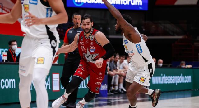 LIVE Trento-Olimpia Milano 65-74, Playoff basket in DIRETTA: l'Armani Exchange chiude la serie e vola alle semifinali