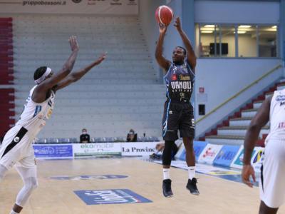 Basket: si muove il mercato di Serie A. Cournooh-Cremona, è rinnovo. Repesa-Fortitudo Bologna, accordo vicino