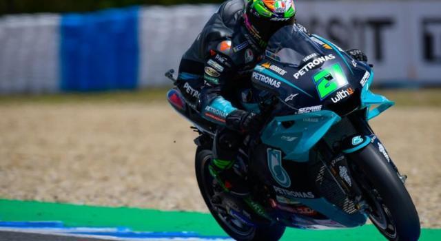 """DIRETTA MotoGP, GP Francia LIVE: Valentino Rossi promuove l'assetto. Bagnaia: """"Ho pregato per la pioggia"""""""