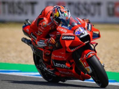 MotoGP, pazzesca doppietta Ducati a Jerez! Trionfa Miller, Bagnaia leader del Mondiale, affonda Quartararo!