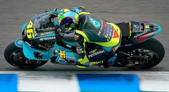 MotoGP, Valentino Rossi inizia a vedere la luce. 9° posto che profuma di speranza