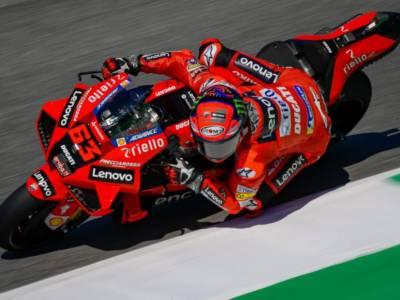 VIDEO MotoGP, Highlights GP Catalogna 2021: Oliveira vince, Valentino Rossi cade, Bagnaia 7°