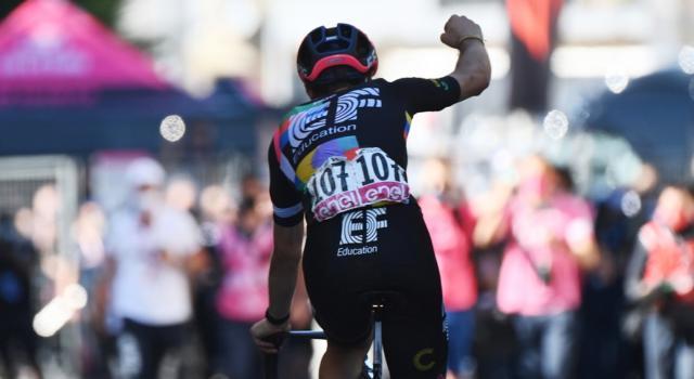 VIDEO Giro d'Italia, highlights tappa di oggi: il trionfo di Alberto Bettiol davanti a Consonni. Bernal sempre in Maglia Rosa