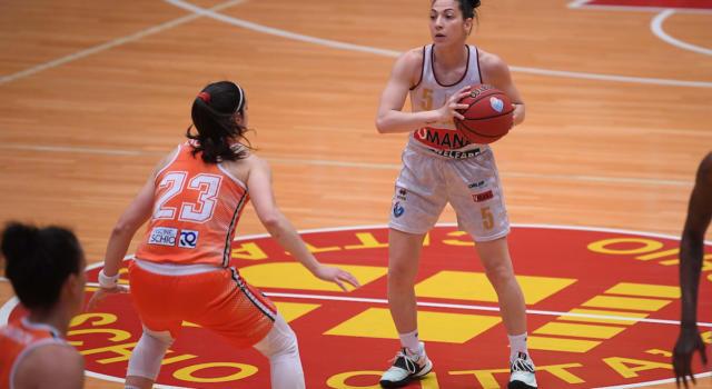 LIVE Schio-Venezia 67-65, Serie A1 basket femminile in DIRETTA: Mestdagh regala la vittoria al Famila, si va a gara-5!