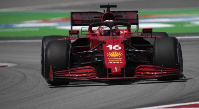 VIDEO Charles Leclerc antologico! Sorpass Valtteri Bottas all'esterno, il ferrarista è 3° nel GP di Spagna