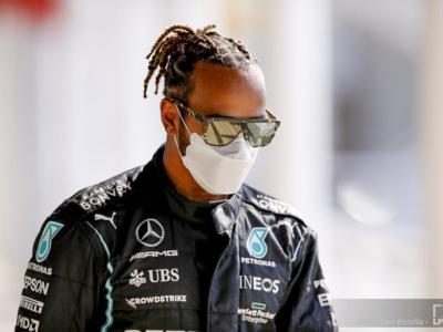 """F1, Lewis Hamilton: """"Sarà dura contro la Red Bull! Un contatto tra e me e Verstappen? Finora l'ho evitato…"""""""