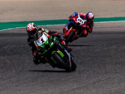 LIVE Superbike, GP Portogallo 2021 in DIRETTA: Rea vince ancora! Davies e Razgatlıoğlu chiudono il podio. Quinto posto per Locatelli