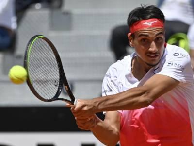 Roland Garros 2021, Lorenzo Sonego delude e si arrende in tre set ad Lloyd Harris. Amaro ko al primo turno per l'azzurro