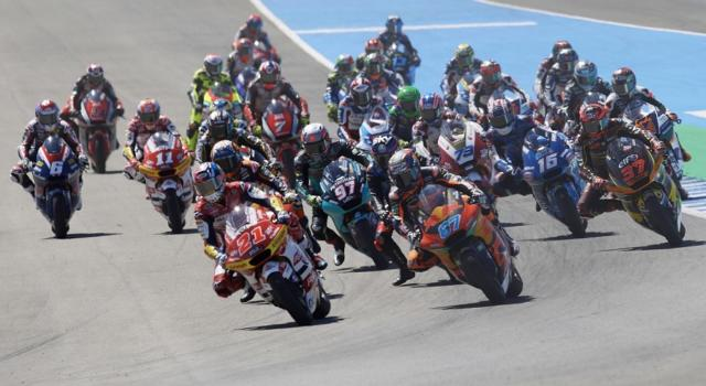 LIVE Moto2, GP Francia in DIRETTA: Sam Lowes fa sua la FP2, Bezzecchi 3°, Bulega 6°, Manzi e Di Giannantonio in Q2