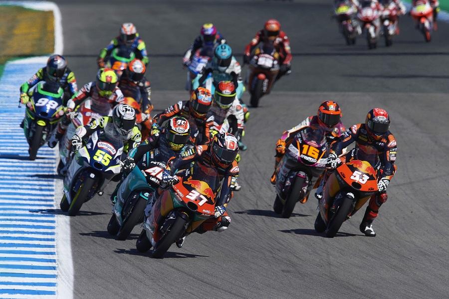 LIVE Moto3, GP Francia in DIRETTA: pista bagnata a Le Mans. Gabriel Rodrigo guida la combinata
