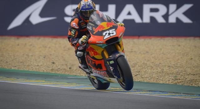 Moto2, risultato GP Francia 2021: Raúl Fernández vince a Le Mans, Marco Bezzecchi 3° davanti a Tony Arbolino