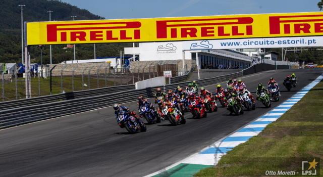 LIVE Superbike, GP Aragon 2021 in DIRETTA: Davies firma il miglior tempo nella FP2, 7° tempo per Rinaldi