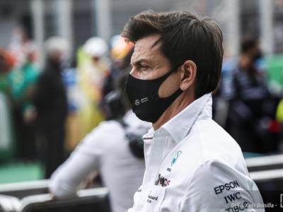 """F1, Michael Masi: """"Il team radio di Toto Wolff? Nulla di strano, d'ora in avanti saranno trasmessi come per i piloti"""""""