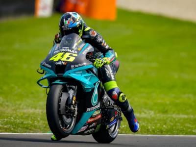 Orario MotoGP, GP Catalogna 2021: programma tv prove libere, qualifiche e gara. Guida DAZN e Sky, differite TV8
