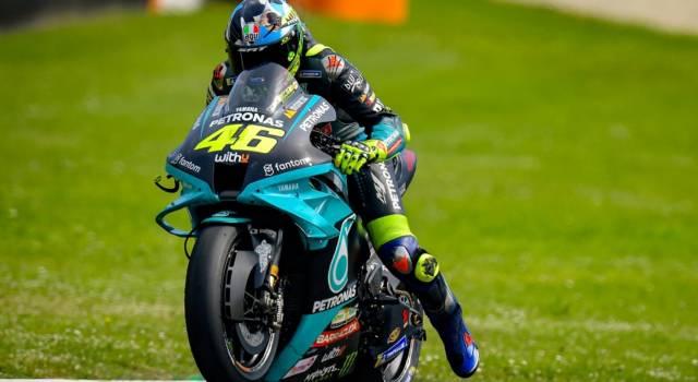 DIRETTA MotoGP, GP Mugello LIVE: Quartararo scappa in classifica, fuori Bagnaia. 10° Valentino Rossi