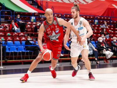 Basket, Olimpia Milano rischia di giocare senza Shavon Shields in gara-2 con Trento