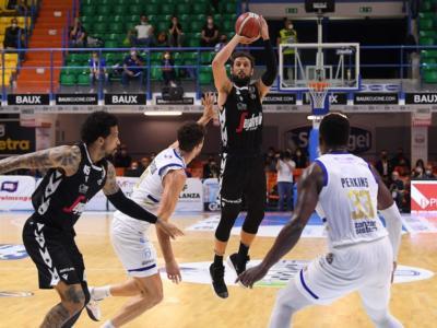 Basket, Playoff Serie A 2021: la Virtus Bologna concede il bis e si porta sul 2-0 contro Brindisi