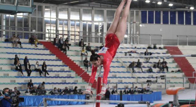 Ginnastica, Elisa Iorio torna dopo l'infortunio: parallele di spessore, forma in crescita e lotta per le Olimpiadi