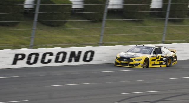 NASCAR, doubleheader speciale nel 'Tricky Triangle'