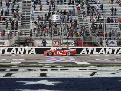 NASCAR, la corsa verso i Playoffs prosegue ad Atlanta